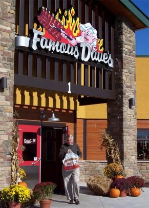 Famous Dave's Exterior